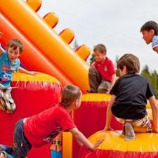 Забавления за децата на открито