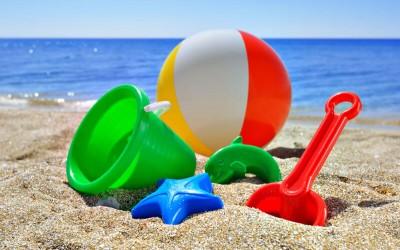 Топ 7 актуални плажни играчки за деца през 2017 г.
