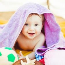 Как да почиствате различните детски играчки?