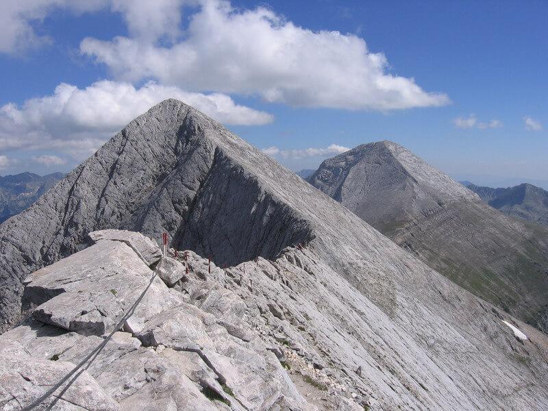 Изкачване на връх Вихрен - екстремни спортове - спортни раници акварел