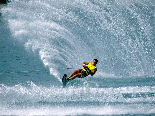Водни ски - екстремни спортове - спортни раници Акварел