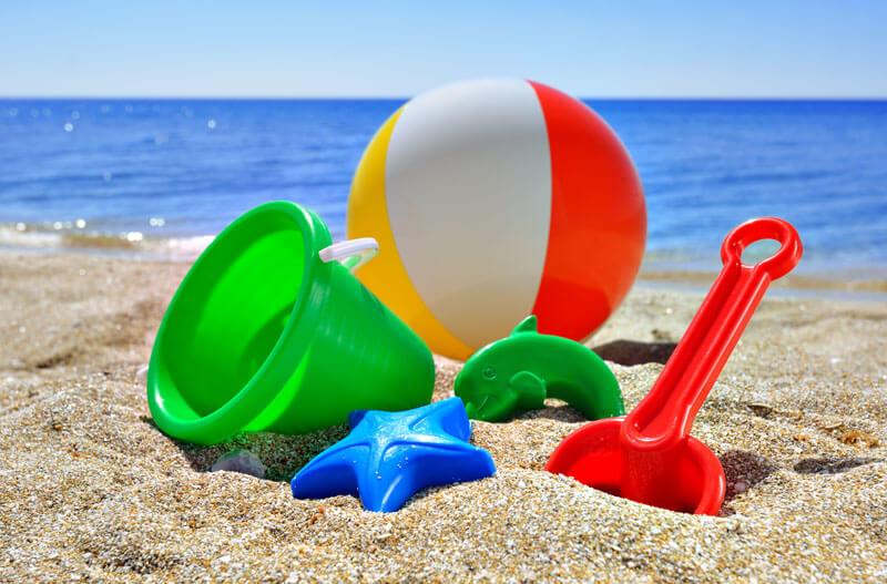 Топ 7 актуални пясъчни и плажни играчки за 2017